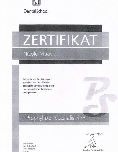 Nicol Maack Zertifikat Prophyl-Spezialistin